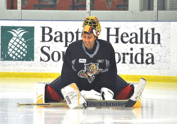 Roberto Luongo smiling during a practice